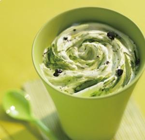 「マックフルーリー抹茶&オレオクッキー」 (Green Tea & Oreo McFlurry)