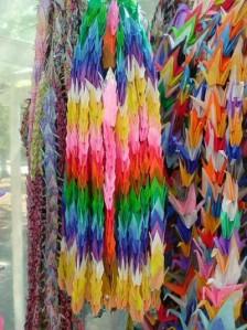 千羽鶴 (1000 Paper Origami Cranes)