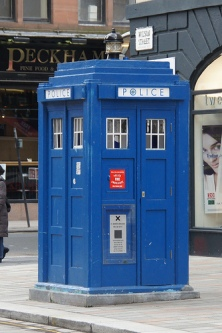 A police box in England. Quite different from Japan's 交番 (police boxes)!